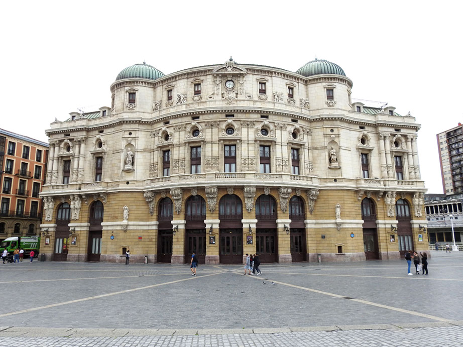 Vista exterior del Teatro Arriaga de Bilbao