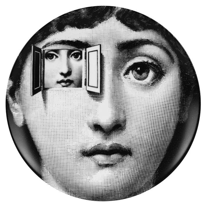 Imagen d una cara con un ojo ventana en la que se ve otra cara