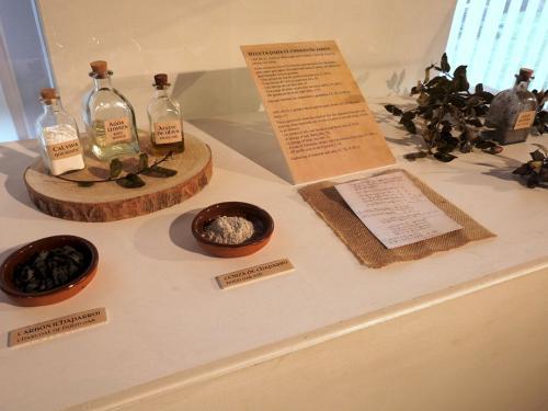 Detalle de objetos en exposición