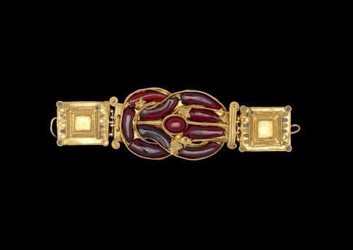 Hebilla con «nudo de Hércules»