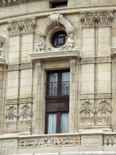 Detalle de la fachada ventana