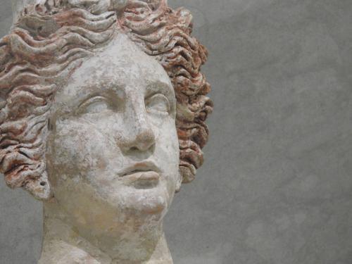 Detalle del busto femenino importado de Sicilia, 400-300 a. C
