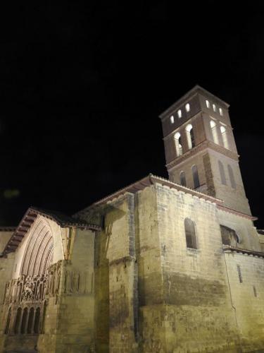 Iglesia de San Bartolomé noche
