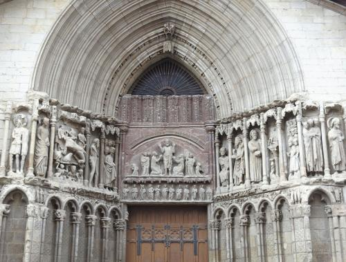 Portada de la iglesia de San Bartolomé