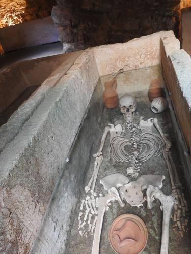Recreación de un sepulcro en el interior de los hipogeos de la mula