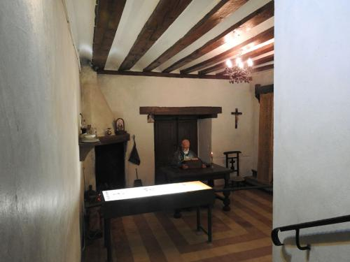 Sala de la alcoba del santero