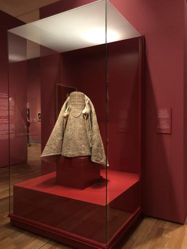 Vestido y manto de la imagen de Nuestra Señora de la Caridad