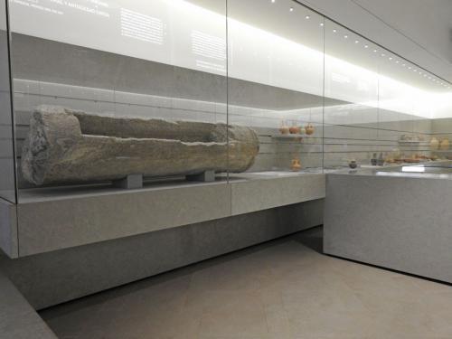 Vista de la sala IV, 'Sit tibi terra levis. La muerte en época romana y tardoantigua (25 a.C.-600 d.C.)'