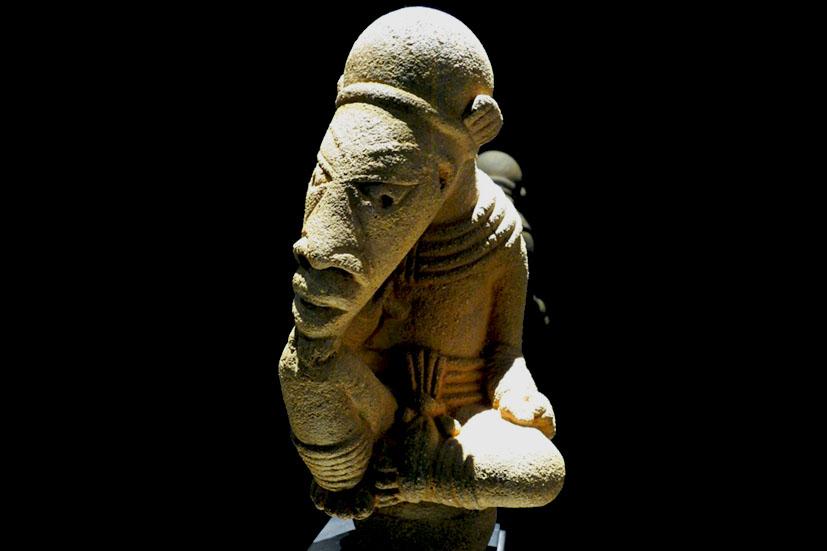 Imagen de una escultura de terracota de la cultura Nos