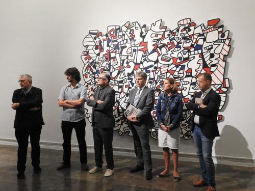 De izquierda a derecha; el director del IVAM, José Miguel G. Cortés, el comisario de la exposición, Baptiste Brun y el resto de responsables